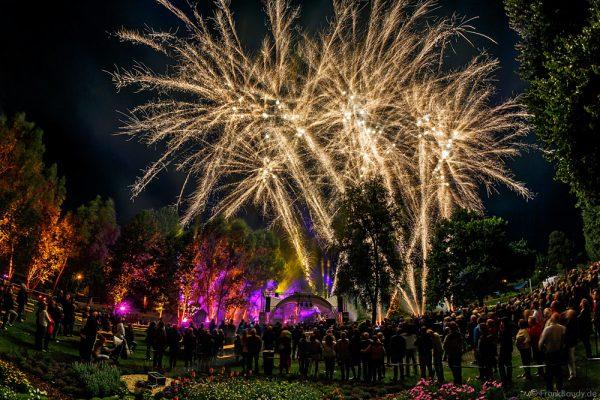 Kaiserslautern Sommernachtsfest - Metamorphosis of Lights - Lichtinszenierung von zündwerk
